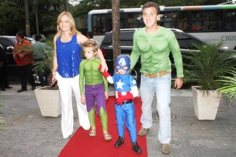 familia-huck-festa-infantil-angelica-luciano