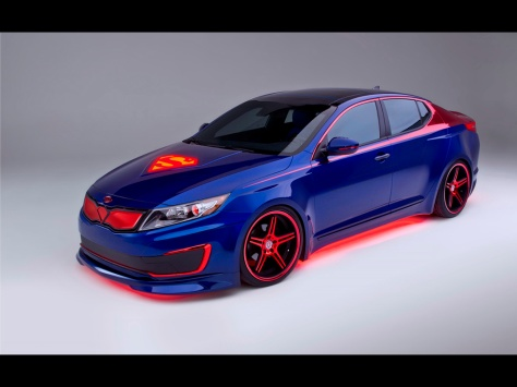 2013-Kia-Superman-Optima-Hybrid-Studio-2-1024x768
