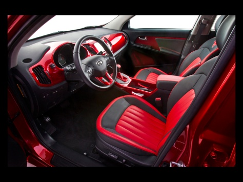 2013-Kia-Wonder-Woman-Sportage-Lassos-Interior-2-1024x768