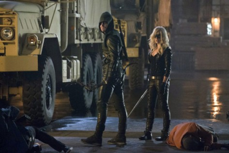 stephen-amell-left-and-caity-lotz-right-as-the-green-arrow-and-the-black-canary-in-the-cws-arrow