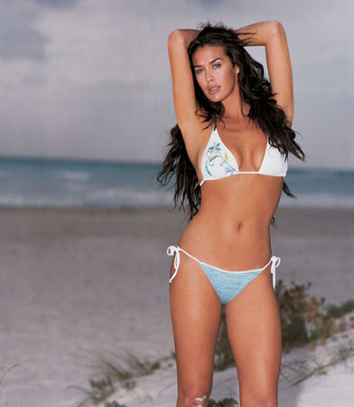 ART.212 MEGAN GALE