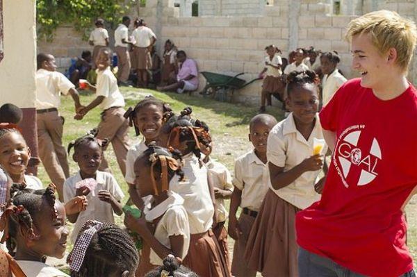 O ator em visita ao Haiti no final de 2013