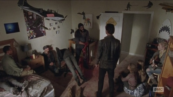 what-happened-and-whats-going-on-tyreese-surrounded-by-the-dead