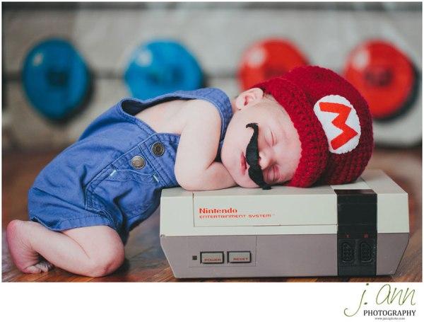 geeky-newborn-baby-photography-42
