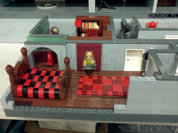 lego-money-bin4-625x468