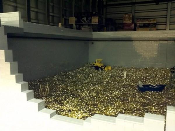 lego-money-bin8-625x468