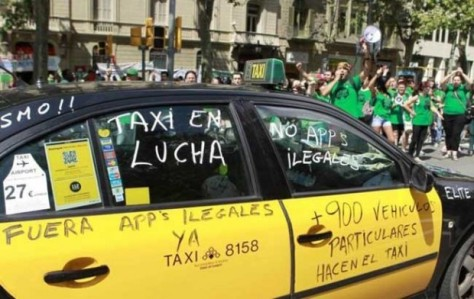 É, não é só no Brasil que a treta entre taxistas e Uber está forte...